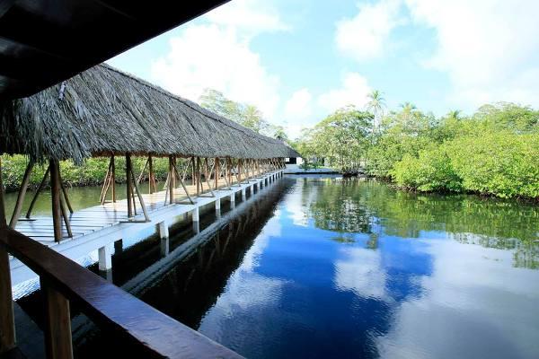 Laguna Azul Ecolodge Panama 600x400
