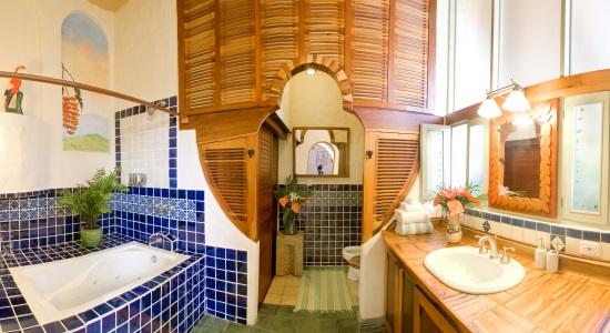 Hotel Finca Rosa Blanca bathroom