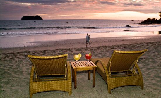 Arenas del Mar Beach Resort