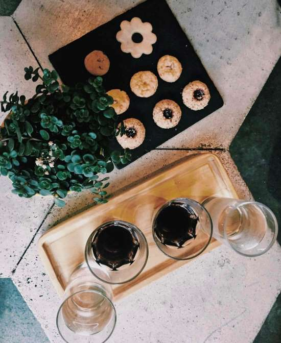 Cookies and coffee at Cabra Negra