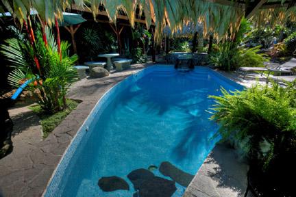 banana azul pool