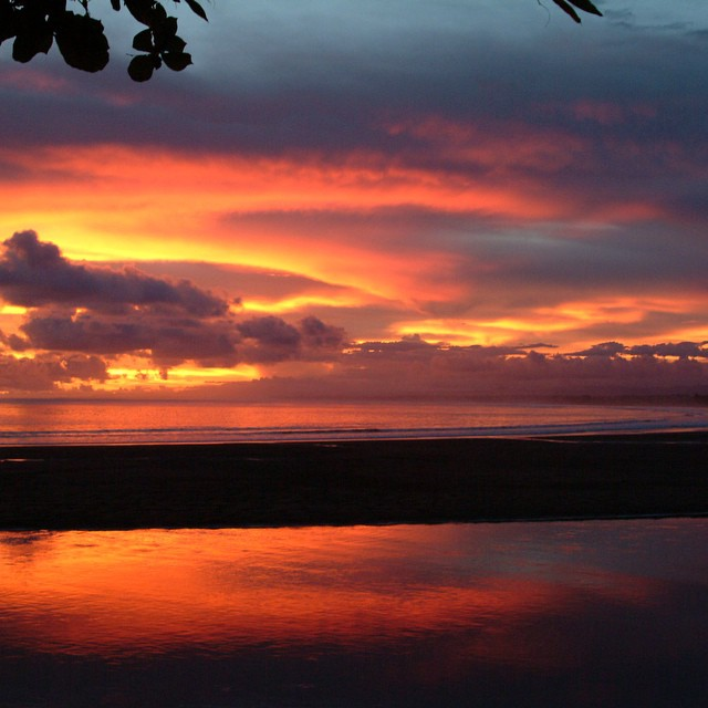 Did you know that in Costa Rica the sun sets around 5:30pm year-round because of it's location near the equator? #costarica #trivia