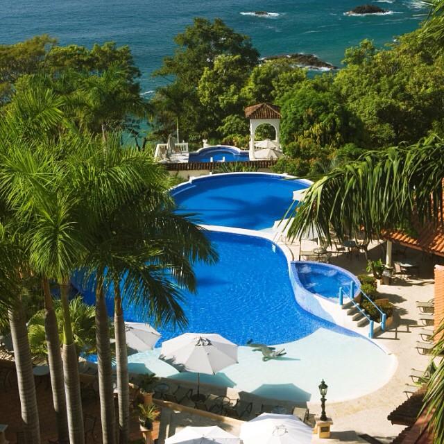 Pool on #pool on pool at Hotel Parador in Manuel Antonio! @ParadorQuepos Is it #SpringBreak yet? #costarica #vacations ?☀️