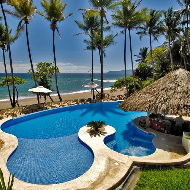 Can't think of anywhere else I'd rather be this weekend! #Daiquiri anyone?! ?? via Tango Mar #Beach #Resort! Nicoya Peninsula #CostaRica