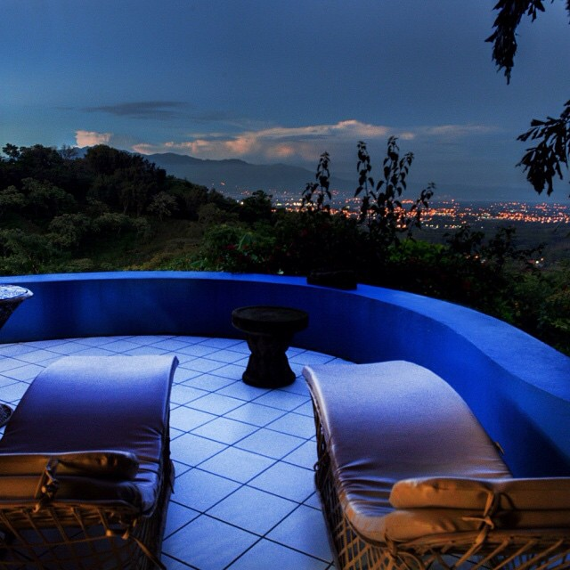 A relaxing evening overlooking the twinkling Central Valley at Xandari Plantation sounds divine.. #costarica #vacations #alajuela