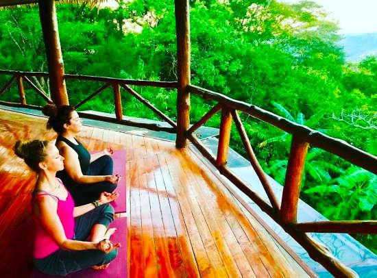 7 Top Costa Rica Wellness Resorts & Retreats
