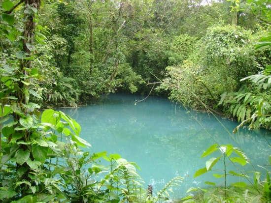 Rio Celeste pozo azul
