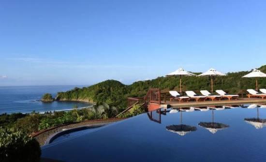 Punta Islita pool view