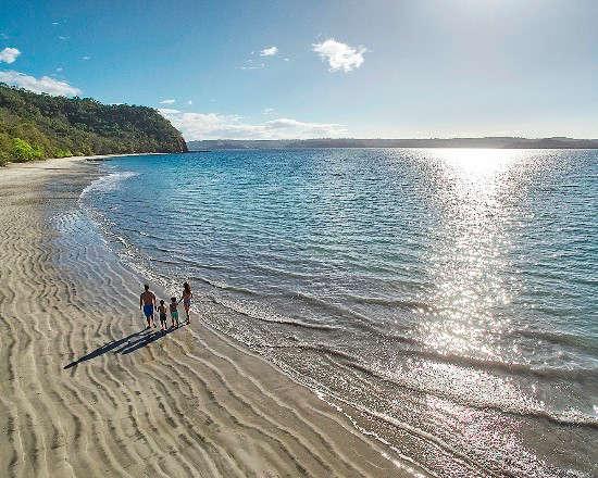 Costa Rica Pacific vs Caribbean Coast - Four Seasons