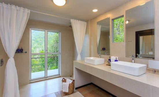3 BR Whale's Tail Villa Bathroom