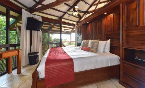 Casa de las Flores Villa bedroom 1