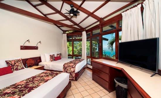 Maunaloa Villa Bedroom